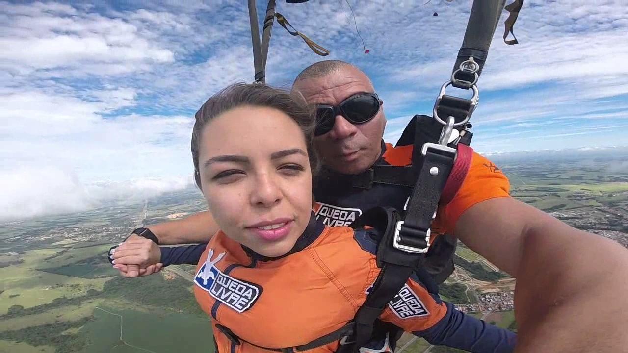 Salto de Paraquedas da Daniella M na Queda Livre Paraquedismo 07 01 2017