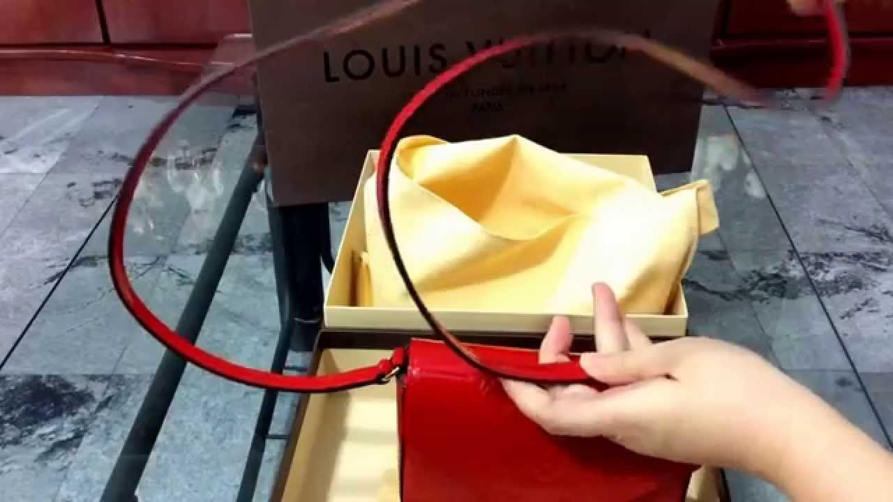 9887fa348f48 Unboxing  Louis Vuitton Sac Lucie Vernis Cerise - New 2015 LV Mini ...