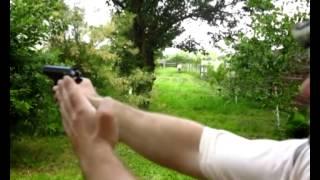 Как правильно прицелится из пистолета макарова тт оса стечкина обучающее видео(Каким глазом лучше целится из пистолета макарова тт оса стечкина Видео урок 3 What better eye aiming a gun., 2014-06-12T11:43:22.000Z)
