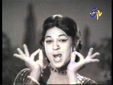 Jothi Lakshmi Jagath Janthreelu Telugu Vamp Hot Sexy Navel Belly Song From Yesteryear