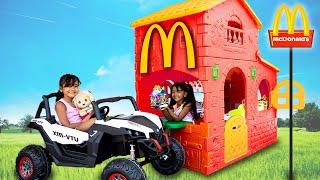 BIA LOBO Faz McDonalds no Jardim e Diana Coloca Squishy e Smooshy