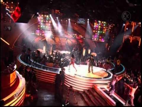 Thalia - Cantando por un sueno Live.