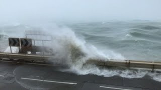 Super typhoon Mangkhut smashes Hong Kong