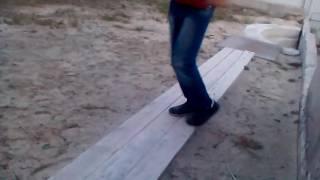 Как научиться делать лунную походку(В данном видео отсутствует смысл., 2016-05-16T01:48:33.000Z)