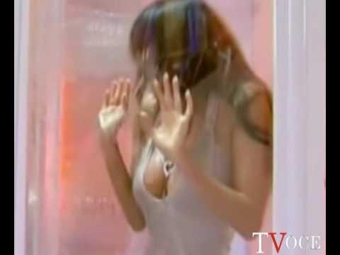 Gf, doccia sexy: la parola a Sara Varone