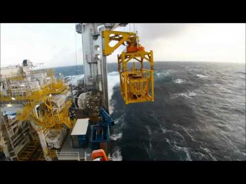 420t Special Handling System test in rough weather