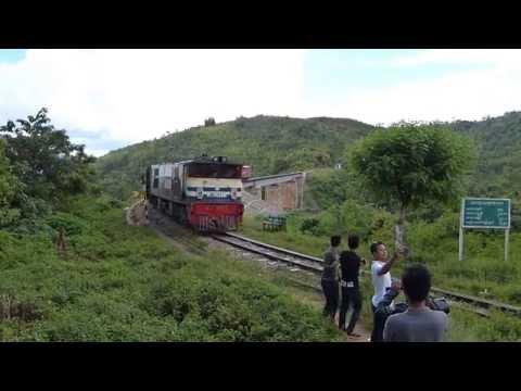 Train between Shwenyaung Junction and Kalaw, Shan State