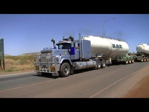 Mack Superliner V8 roadtrain, great sound !
