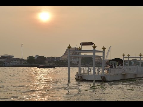 Must Do in Bangkok, Thailand - Chao Phraya River Boat Cruise