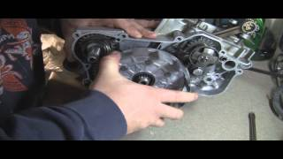 YZ125 Part 11: 2 Stroke Installing Clutch and Repairing Clutch Basket