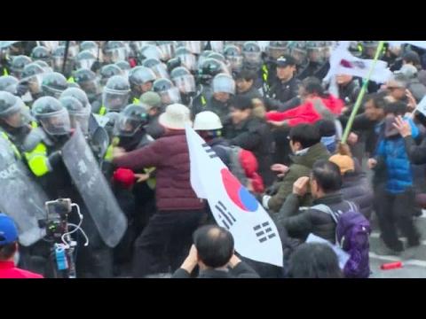 Violence breaks out after dismissal of South Korean President Park