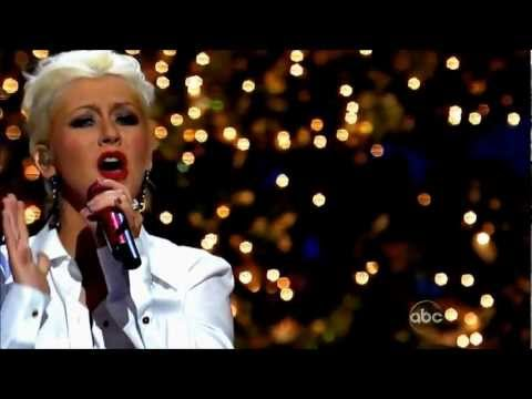 (HD) Christina Aguilera - Have Yourself A Merry Little Chrismas Live @ (Disney Christmas Parade)