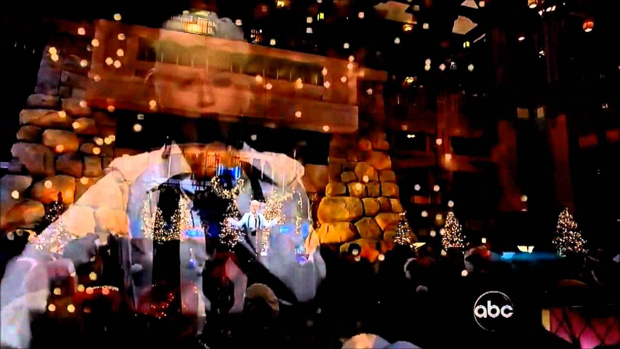 hd christina aguilera have yourself a merry little chrismas live disney christmas parade mariahcareyarianagrandextinafan - Have Yourself A Merry Little Christmas Christina Aguilera