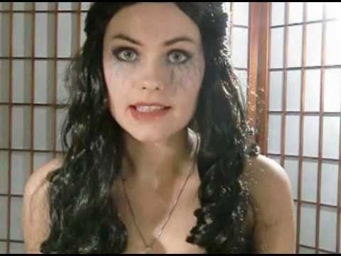 Halloween Vampire Diaries Look: Katherine (Tutorial) - YouTube