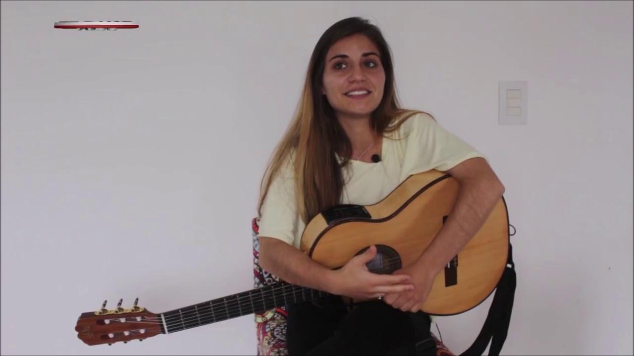 Flor Sandoval, una cantautora emergente