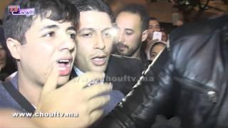 بالفيديو.. حالات إغماء بالجملة أثناء استقبال إهاب أمير بالمطار بعد خروجه من
