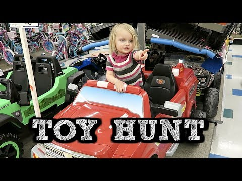 TOY HUNT AT TOYS R US! | Cousin's Birthday Present
