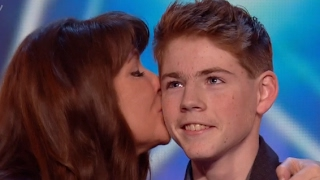 Mother And Son Deliver An Emotional Touching Performance thumbnail