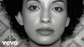 Laura López Castro - No es por ser ni por estar (Videoclip)