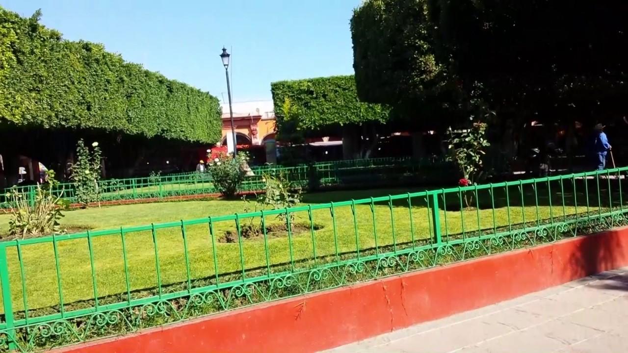 Kiosko y jardin principal de valle de santiago gto youtube for Jardin principal