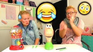 DAS POPEL SPIEL 😂 Eva & Kathi spielen GOOEY LOUIE | Unglaublich lustig  😂 mit Jelly Beans Strafe