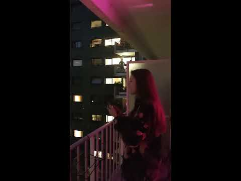 Singing Hallelujah from the balcony in Paris