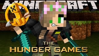 Minecraft - Little Kelly : SURVIVING THE HUNGER GAMES!