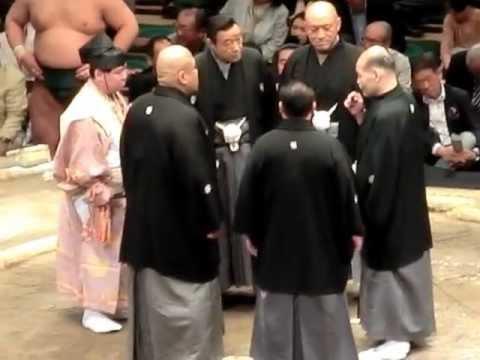 妙義龍VS高安(物言い)2012年5...