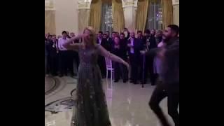 Яна Рудковская и Тимати танцуют лезгинку
