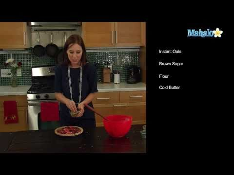 How to Make a Berry Pie With Streusel Topping