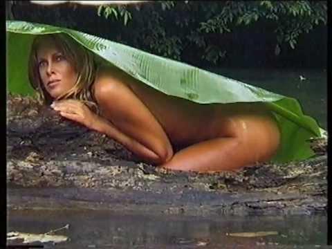 Alessia Marcuzzi - Backstage del calendario Max 1998