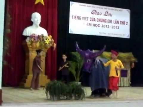 """Giao lưu Tiếng Việt của chúng em """"Em bé quê"""" TIỂU HỌC HỮU LỢI YÊN THỦY HÒA BÌNH"""