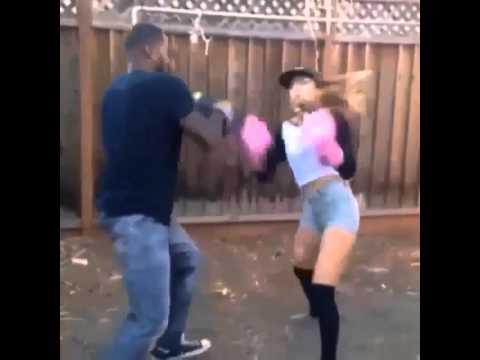 Девушка бьет парня видео фото 297-327