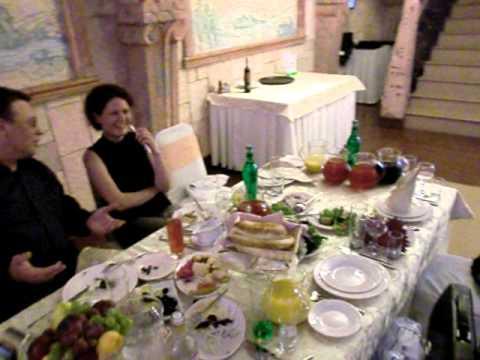 В ресторане Амроц