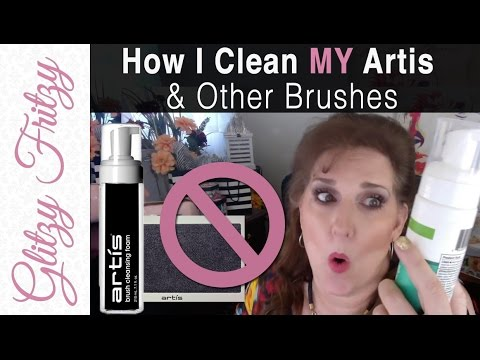 How I Clean Artis & Other Makeup Brushes