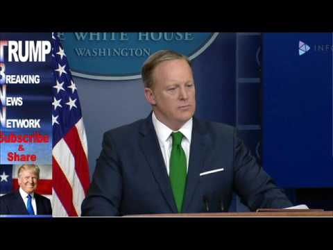 Why Sean Spicer should be fired from the Trump White House