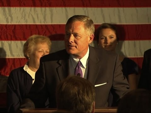 Voters Re-elect GOP Sen. Burr in Swing-State NC