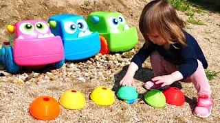 Бьянка и Машинки на пляже — Сюрпризы от Маши Капуки | Привет, Бьянка!