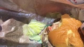 マクドナルドのハンバーガー.