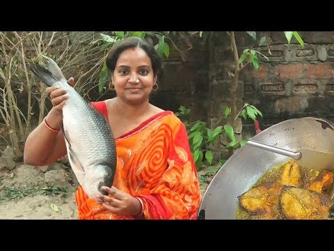 Katla Fish Kalia - Most Delicious Bengali Fish Recipe - Home Made Spicy Katla Fish Preparation