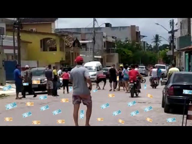 LADRÕES ESPALHAM DINHEIRO 💰 NO CENTRO DE ITAMBÉ APÓS ASSALTO