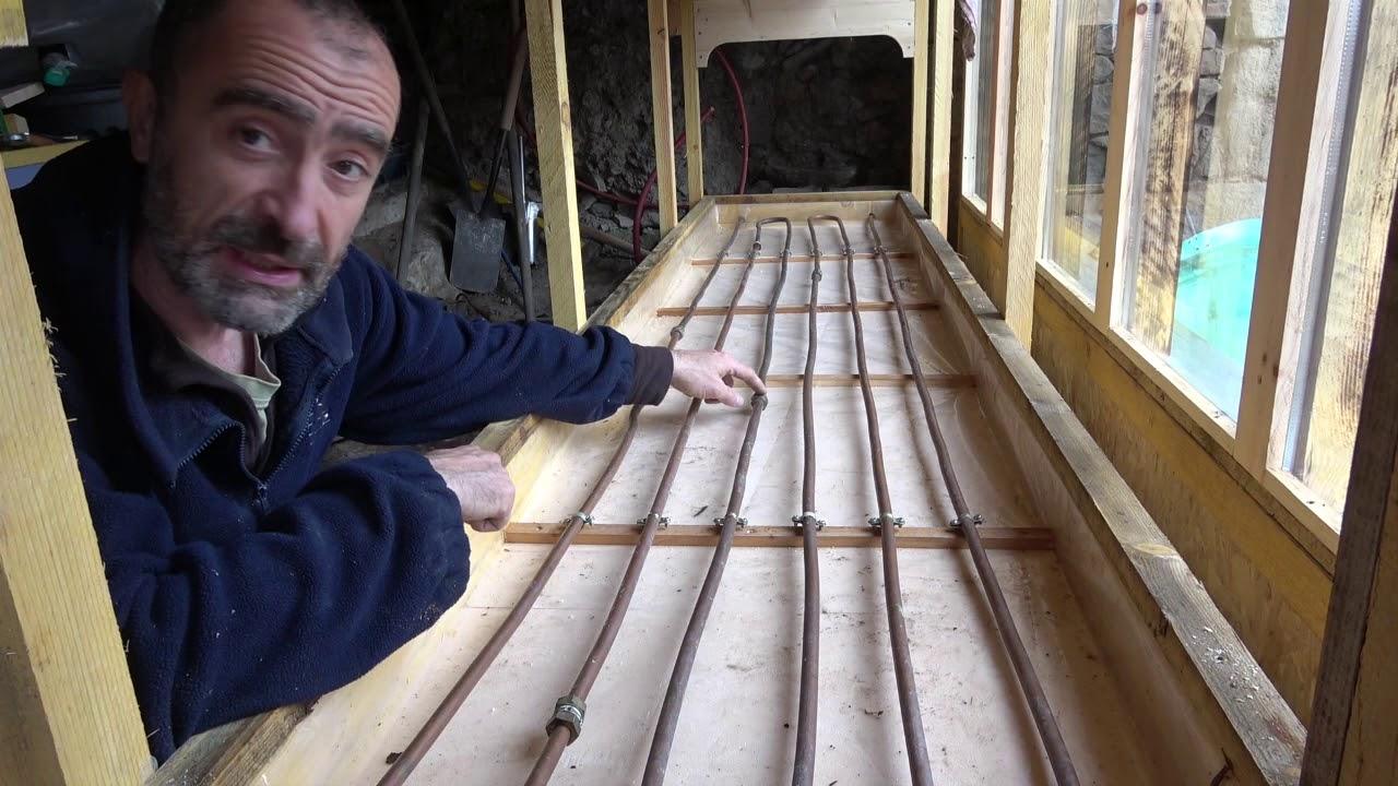 fabriquer une etagere a semis chauffante et auto irriguant