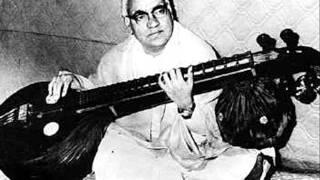 Excerpts in carnatic music. VEENA - shree raga tanam by emani shankara shastri