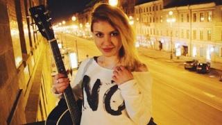 Позови меня с собой (cover) -Девушка играет на Гитаре и поет В Центре Ленинграда!Гансело
