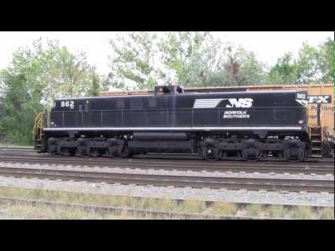 Norfolk Southern - Allentown Yard - Slug Set NS 862/6199 working the hump 9/25/2011