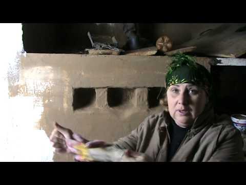 Русская печка Мажу глиной и крашу. Картошка с клюквой