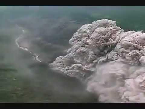 Pyroclastic flow at Unzen Volcano