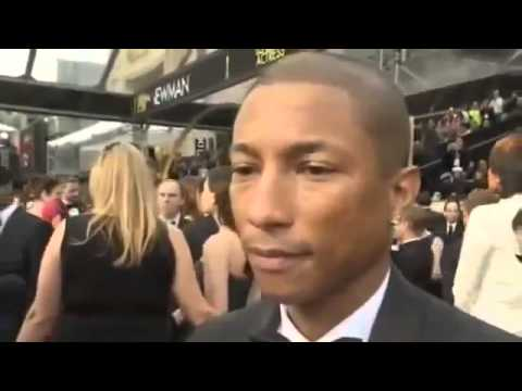 Pharrell Williams is so speechless at the Oscars 2014 Red Carpet