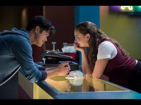 Hannah Y Zach En El Cine -13 Reasons Why