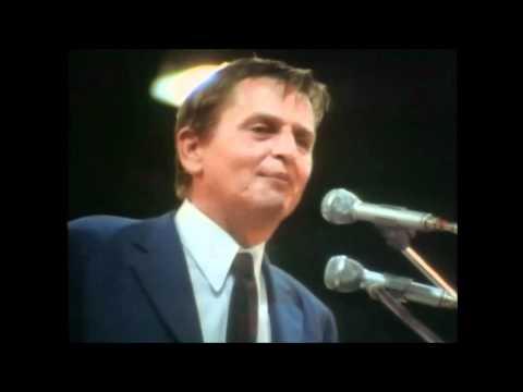 Olof Palme skojar med Gösta Bohman